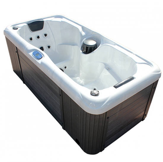 couple spa tub